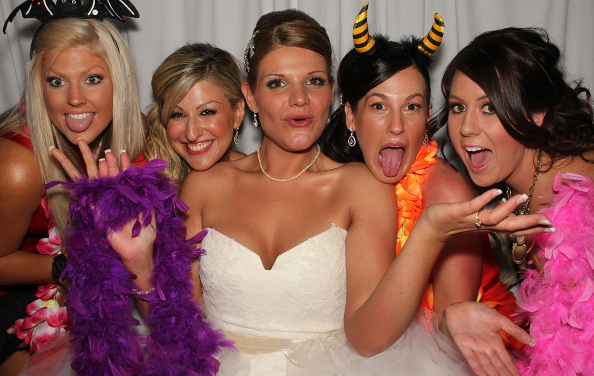 OMG-Photo-Booth-Bride-Brides-Maids-2